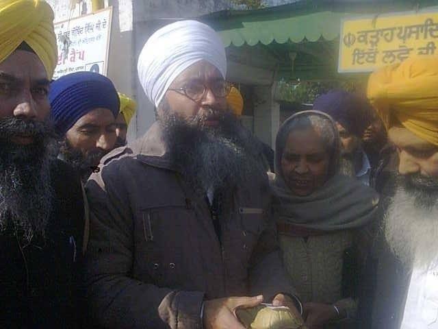 Bhai Gurmeet Singh with his mother outside Gurdwara Amb Sahib (Mohali)