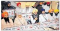 Karnail Singh Peermohammad, Bhai Mohkam Singh, Bibi Jagdish Kaur and others addressing media persons during press conference