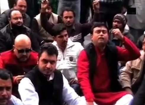 Hindutva actovosts and members of Shiv Sena protests against PK in Ludhaina