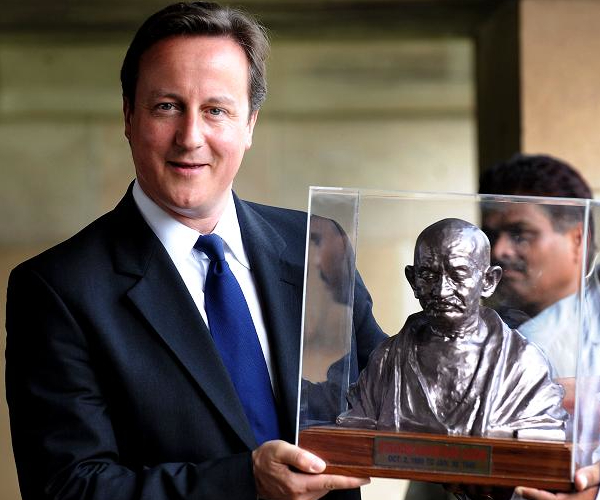 PM Cameron Plans Statue Of Apartheid Proponent Beside