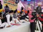 S. Simranjeet SIngh Mann talks to a TV journalist during SAD (A) Holla Mohalla conference