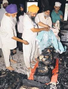 Saroops of Guru Granth Sahib burnt during fire at Suchi Pind Gurdwara Sahib (near Jalandhar-Amritsar bypass)