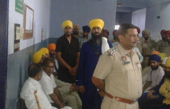 Bhai Sukhjit Singh Khosa and other at Ludhiana court complex during their court appearance