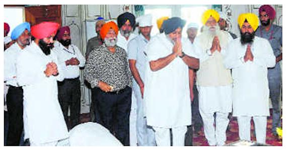 Sukhbir Badal visits memorial of Sant Jarnail Singh Bhindranwale