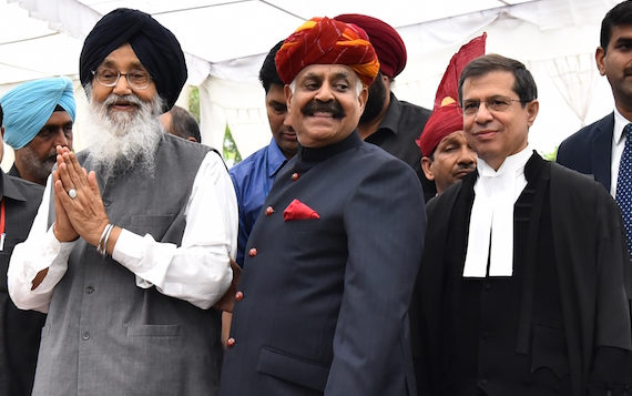 Parkash Singh Badal (L), V. P. Singh Badnore (C), P&H High Court CJ Shiavax Jal Vazifdar (R) at Punjab Bhawan on August 22, 2016
