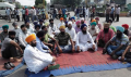 Sikh sangat starts protest at Kapurthala chowk Jalandhar against Beadbi of Guru Granth Sahib [September 24, 2016]