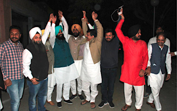 Bains Brothers with Aam Aadmi Party leaders [November 20, 2016]