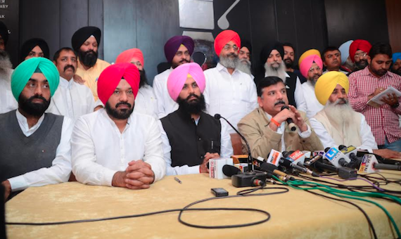 Bains brothers and the Aam Aadmi Party leaders addressing a joint press conference in Chandigarh