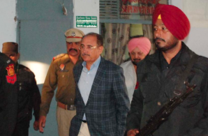 Photo Source: HT | SK Sharma at the Ropar court on Saturday (Dec. 03, 2016)