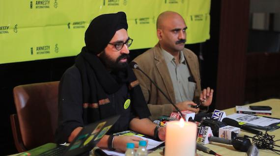 Sanam Sutirath Wazir (L) and Manoj Mitta during the press conference