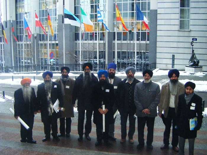 UK and Italian Sikh representatives outside the European Parliament