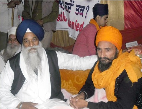 Giani Gurbachan Singh (R) and Gurbaksh Singh Khalsa (L) [File Photo]