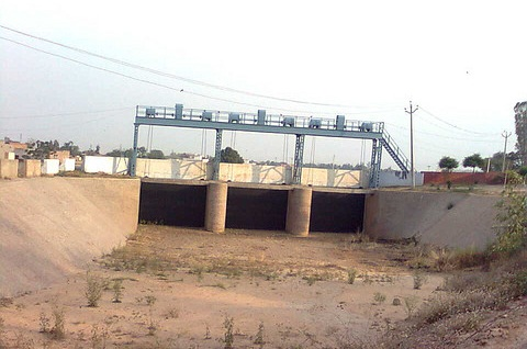 A view of Hansi-Butana Canal. The project is waiting to be linked to Bhakhra Main Line near Samana (Punjab).