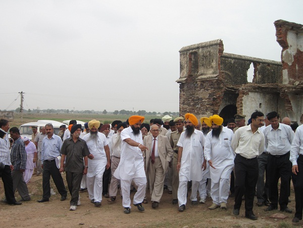 Justice (Retd) T. K. Garg visited Hondh Massacre site