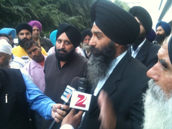 Advocate Jaspal Singh Manjhpur addressing media outside Ludhiana court complex [A File Photo]