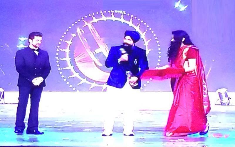 Kuljinder Sidhu receives award at PTC Film Awards