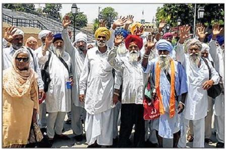 Paramjit Singh Sarna Family Paramjit Singh Sarna Has