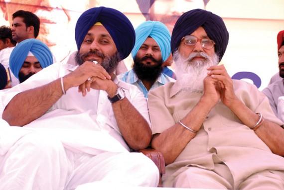 Sukhbir Badal (R) and Parkash Badal (R)